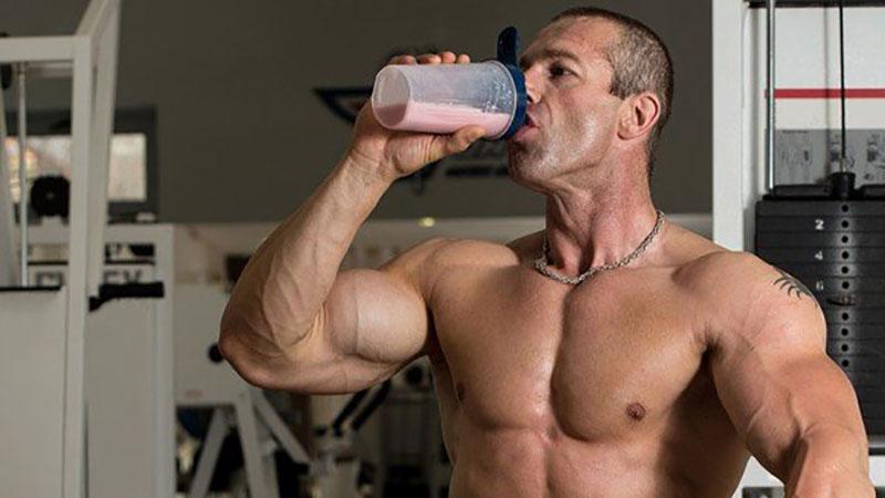 Có thể uống trước hoặc sau khi tập luyện